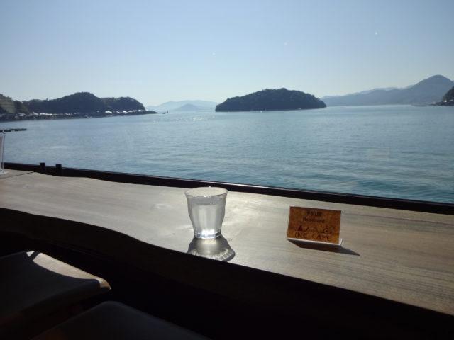 海を眺めて一休み